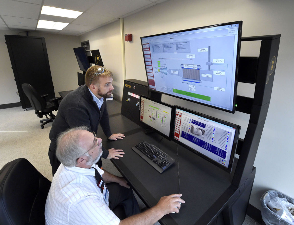 Brad Bathgate with Ed Kappenstein in the LGH energy center (2)